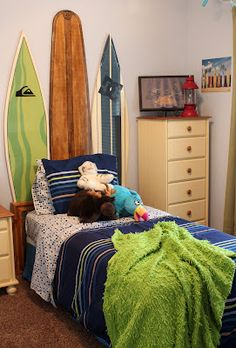 Cute Surf Room for Little Boys! #surfsup #whereisyoungamerica