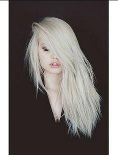 Love Debby Ryan's hair ♡