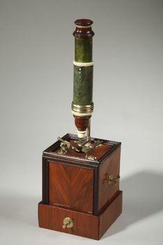 Microscope de type Marie datable vers 1740/1750 - Objets vendus - Antiquité Delalande  ..rh