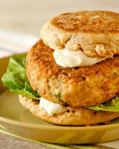 have yet to try these... Veggie Burgers with Tahini Mayonnaise... 1/2c medium-grind bulgur, Coarse salt, ground pepper,(14 1/2 oz.) pinto beans, 1/4c plain breadcrumbs,     4 scallions, 1 lg egg, 1 lg grated carrot, 1/4tsp cayenne pepper, 2 tbsp tahini (sesame-seed paste), 3 tbsp veg oil, 4 whole-wheat English muffins, Lettuce, Tahini Mayonnaise: 1/2c mayonnaise, 1 to 2 tbsp fresh lemon juice, 1 tbsp tahini (sesame-seed paste), Coarse salt, ground pepper. Click image for details…