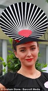 Hats Have It: Royal Ascot, The Fab, The Foxy and the Fearless. Royal Ascot, Races Style, Races Fashion, Fancy Hats, Love Hat, Hat Making, Ladies Day, Vintage Outfits, Vintage Hats