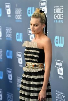 All The Times Margot Robbie Has Aced It On The Red Carpet – Celebrities Woman Very Beautiful Woman, Stunning Girls, Vogue Home, Margo Robbie, Embellished Gown, Celebrity Red Carpet, Harley Quinn, Selena Gomez, Muse