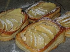 Omenarahkapiirakat Sweet Pie, Sweet Tooth, French Toast, Deserts, Pork, Dessert Recipes, Food And Drink, Sweets, Bread