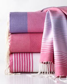 -4BER Scents and Feel Fuchsia Fouta Towels