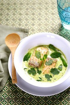 Soupe de saumon au lait de coco
