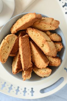 With the distinctive Scandinavian flavors of almond and cardamom, these easy-to-make Swedish Almond Rusks will add a pleasant touch to your coffee break. Swedish Cuisine, Swedish Dishes, Swedish Recipes, Norwegian Recipes, Swedish Bread, Swedish Foods, Cookbook Recipes, Cookie Recipes, Dessert Recipes