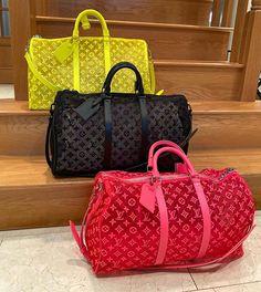 Luxury Purses, Luxury Bags, Louis Vuitton Handbags, Purses And Handbags, Replica Handbags, Designer Handbags, Chloe Bag, Cute Bags, Shopping