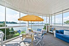 Terrace with a seaview / Terassi merinäköalalla