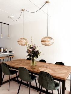 Dining Room Inspiration, Home Decor Inspiration, Decor Ideas, Home Living Room, Living Room Decor, Farmhouse Flooring, Dining Room Design, Furniture Makeover, Lamp Makeover