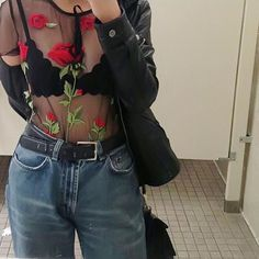 Ingredients: 86% (inclusive) -95% (inclusive) Fabric: Polyester Year Season: Spring of 2017 Main color: black Size: S, M, L Size Bust Shoulder length Sleeve S 92cm 35cm 51cm 15cm M 96cm 36cm 52cm 16cm
