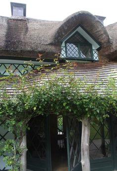 Irish cottage - so whimsical !