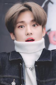 Help, Stray Kids is coming for my nonexistent wig Felix Stray Kids, Lee Min Ho, Wattpad, Talking To The Moon, Sung Lee, K Drama, Drama Queens, Jolie Photo, Lee Know