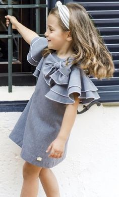 Outfits for Children's Fashion Day 2019 - 2020 Little Girl Fashion, Toddler Fashion, Kids Fashion, Fall Fashion, Style Fashion, Dresses Kids Girl, Little Girl Dresses, Baby Outfits, Kids Outfits