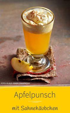 APFELPUNSCH MIT SAHNEHAUBE - Es muss nicht immer Glühwein sein. Unser aromatisches Apfelpunsch-Rezept mit Calvados, Ingwer und Zimt ist eine edle Alternative.