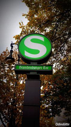 Estación de tren #Puerta de Brandeburgo