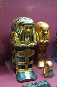 Gold figures, Tut exhibit Metropolitan
