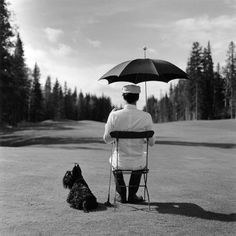 Rodney Smith - perfect of the scotty. Contemporary Photographers, Great Photographers, Portrait Photographers, Portraits, Magritte, Couple S'embrassant, Rodney Smith, Conceptual Photography, Photography Ideas