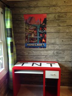 Paint the desk red! Minecraft Room, Minecraft Crafts, 7th Birthday Party Ideas, Minecraft Decorations, Craft Desk, Kid Desk, Kids Bedroom, Bedroom Ideas, Kids Decor