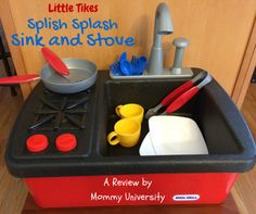 Little Tikes Splish Splash Sink and Stove toy review by Mommy University at www.mommyuniversitynj.com
