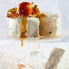 Gorgonzola cheesecake with white-chocolate frosting Oreo Cheesecake, Cheesecake Recipes, Ultimate Cheesecake, Cheesecake Frosting, Rainbow Layer Cakes, White Chocolate Frosting, Peanut Butter Banana Bread, Springform Cake Tin, Delicious Desserts