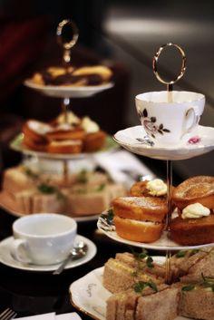 Afternoon tea Vegan Teas, Mini Sandwiches, Japanese Tea Ceremony, Foodie Travel, High Tea, Yummy Cakes, Afternoon Tea, Tea Time, Tea Party