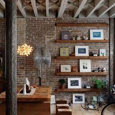 Librerías y mesas en maderas especiales