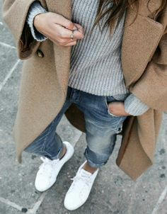 #StreetStyle #CamelCoat #GreyPullover #Jeans #WhiteSneakers