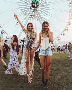 "42.8 tusind Synes godt om, 442 kommentarer – ⠀⠀⠀⠀⠀ ⠀ ⠀Caroline Einhoff (@caro_e_) på Instagram: ""❤️ first Coachella is over with my girl @bridgethelene @kylehouck"""