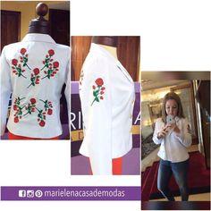 Nos encanta realizar los sueños de nuestras clientas, Evelyn Pogo nos solicitó este especial diseño en su chaqueta confeccionada a la medida, rosas bordadas en hilo y chaquiras