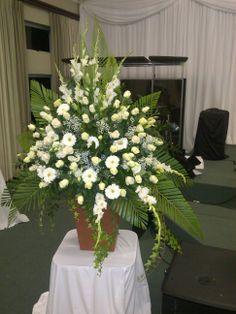 White & Green Mass WEDDING FLOWERS