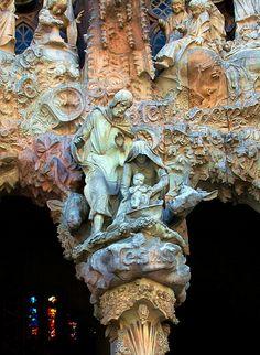 George Reader - Nativity La Sagrada Familia -Barcelona the Holy Family Beautiful Architecture, Art And Architecture, Architecture Details, Ancient Architecture, Art Nouveau, Gaudi Barcelona, Barcelona Catalonia, Architecture Organique, Antonio Gaudi