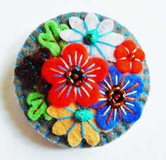 FB136  - Japanese Art Inspired Handmade Mini Felt Brooch - GREY