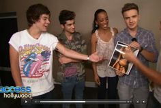 Harry's star filled in, but I have a question. Why is Liam holding that picture haha