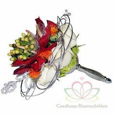 http://www.goedkoop-bloemschikken.nl/bruidsboekethouders-bridy/1538281--oasis-elegant-bouquet-holder-goud-of-zilver.html Bruidsboeket en corsage maken