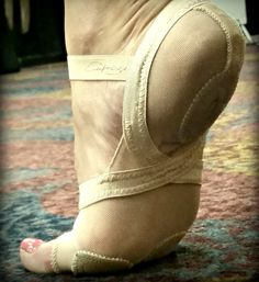 Protect Your Feet!!! Dancers everywhere are in love with the Full Body FootUndeez #H07FB