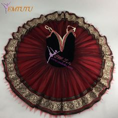 Thought in order to help me by using attire for person ballet school now. Tutu Costumes, Ballet Costumes, Carnival Costumes, Contemporary Dance, Modern Dance, Spanish Gypsy, Painting Tattoo, Body Painting, Dance Store