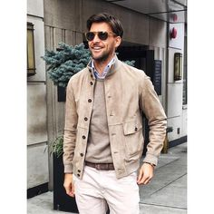 Johannes Huebl wearing beige bomber and beige sweater for a casual look with off-white trousers. Men's Casual Fashion Tips, Big Men Fashion, Best Mens Fashion, Mens Fashion Suits, Fashion Outfits, Fashion Styles, Fashion Wear, Fashion Beauty, Johannes Huebl