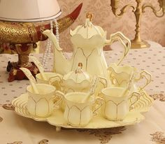 Vintage Style Tea Set (12 pcs)