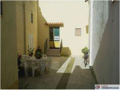 L'agenzia Immobiliare Salento Vendocasa vende abitazione indipendente a Nociglia, a pochi minuti da Castro Marina e Santa Cesarea Terme.