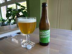 Hopmonkey - blond - 5.5 Vol % Alc.  #blondbier #belgischebieren #belgiumbeer #belgium #belgiumbeers #genieten #belgianbeers #hopmonkey #brouwerijsteeman #brouwerij_steeman #mespelare #be_at_design