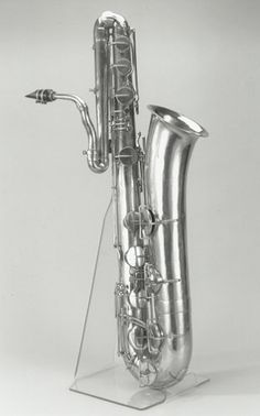 unusual early bass saxophone Bass Saxophone, Saxophone Players, Baritone Sax, Oboe, Trombone, Motif Music, Musical Horns, Jazz Instruments, Brass Instrument
