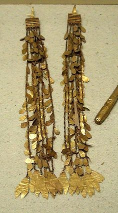 Ear jewelry, gold Northwest Anatolia presumably Priam's of Troy Treasure ca. 2400-2200 B.C. Istanbul Archaeology Museum