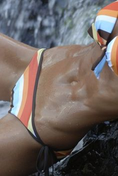 The abs that I would LOVE to have this summer!