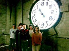 Alumnos de Escuela Europea dentro del reloj del Ayuntamiento de Oviedo