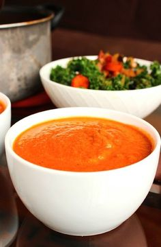 Zucchini & tomato soup -- Low FODMAP Recipe and Gluten Free Recipe #lowfodmaprecipe #glutenfreerecipe #lowfodmap #glutenfree