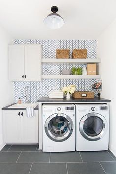 Who says that having a small laundry room is a bad thing? These smart small laundry room design ideas will prove them wrong. Mudroom Laundry Room, Laundry Room Remodel, Laundry Room Cabinets, Small Laundry Rooms, Laundry Room Organization, Laundry Room Design, Grey Cabinets, Basement Bathroom, Laundry Shelves