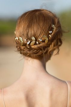 Gold Bridal Hair Vine by Aya Jewellery #wedding hair #wedding hair vine #gold headpiece