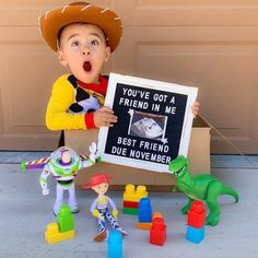 This pregnancy announcement made us smile! What movie would you use to announce a new baby? Disney Baby Announcement, Baby Number 2 Announcement, Creative Baby Announcements, Second Pregnancy Announcements, Creative Pregnancy Announcement, Cute Pregnancy Announcement, Baby Announcement Pictures, Funny Pregnancy, Sons