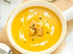 The super easy recipe of butternut squash soup and leeks! Crockpot Recipes, Cooking Recipes, Cooking Chef, Butternut Squash Soup, Food Humor, Funny Food, Vegetable Dishes, Soups And Stews, Easy Meals