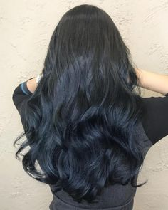 20 remarkable dark ombre hair color ideas for 2019 Dark Ombre Hair, Brown To Blonde Ombre, Brunette Ombre, Ombre Hair Color, Brunette Hair, Dark Hair, Latest Hairstyles, Straight Hairstyles, Really Curly Hair